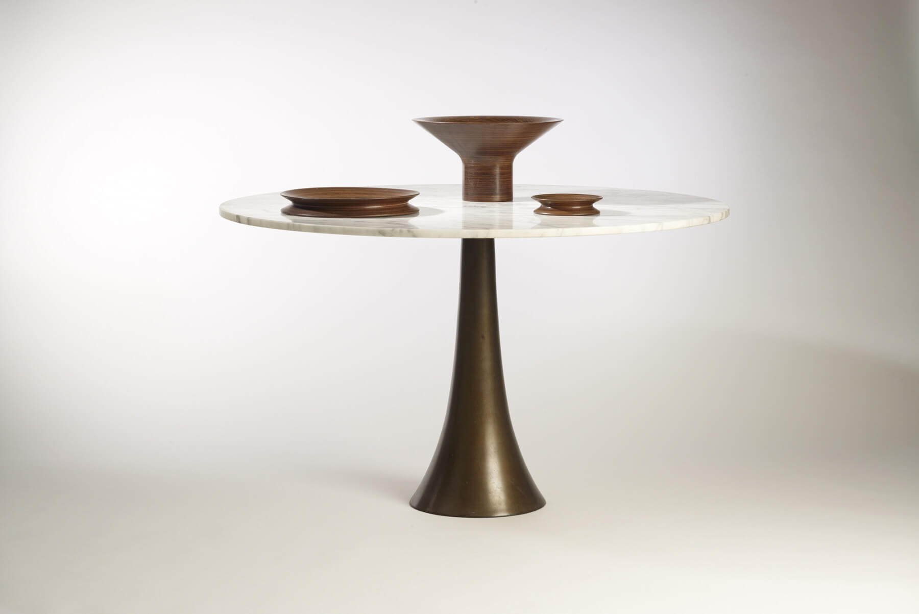 Angelo Mangiarotti |   Dining table