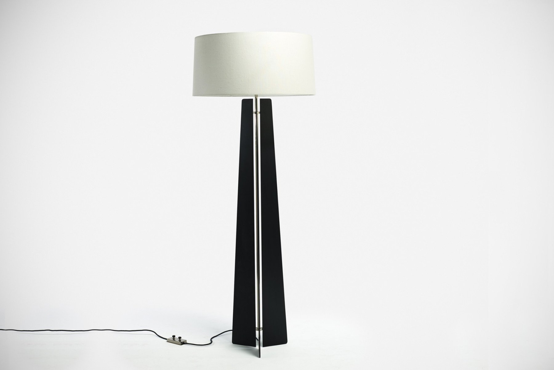 Jonathan Nesci |   Jonathan Nesci - steel floor lamp