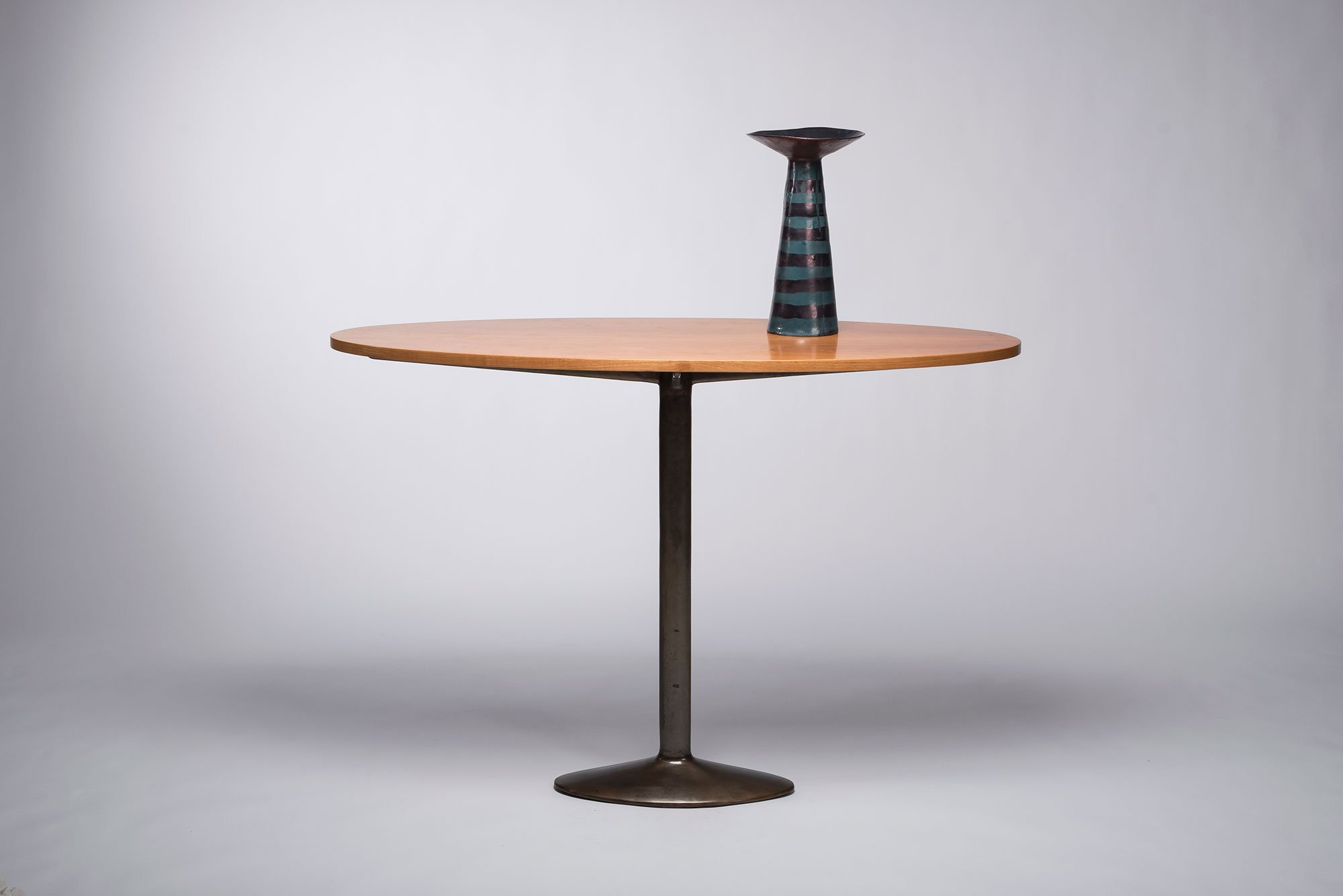 Studio BBPR |   Console/table with an oval top