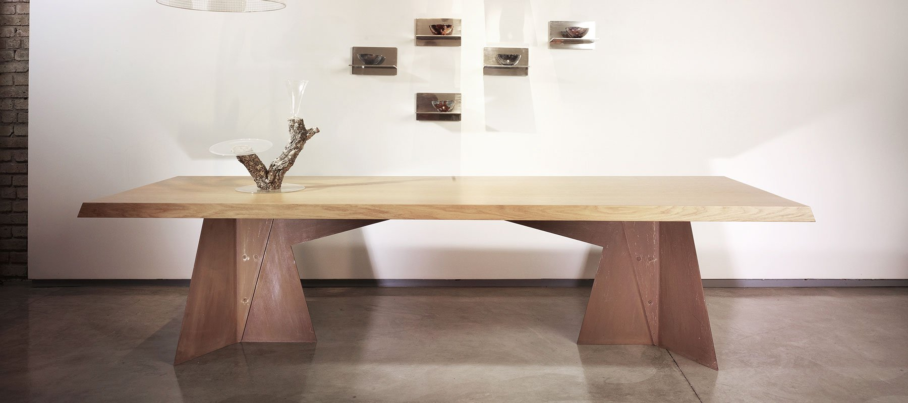 Claudio Salocchi Table and Andrea Branzi lamp at Casati Gallery