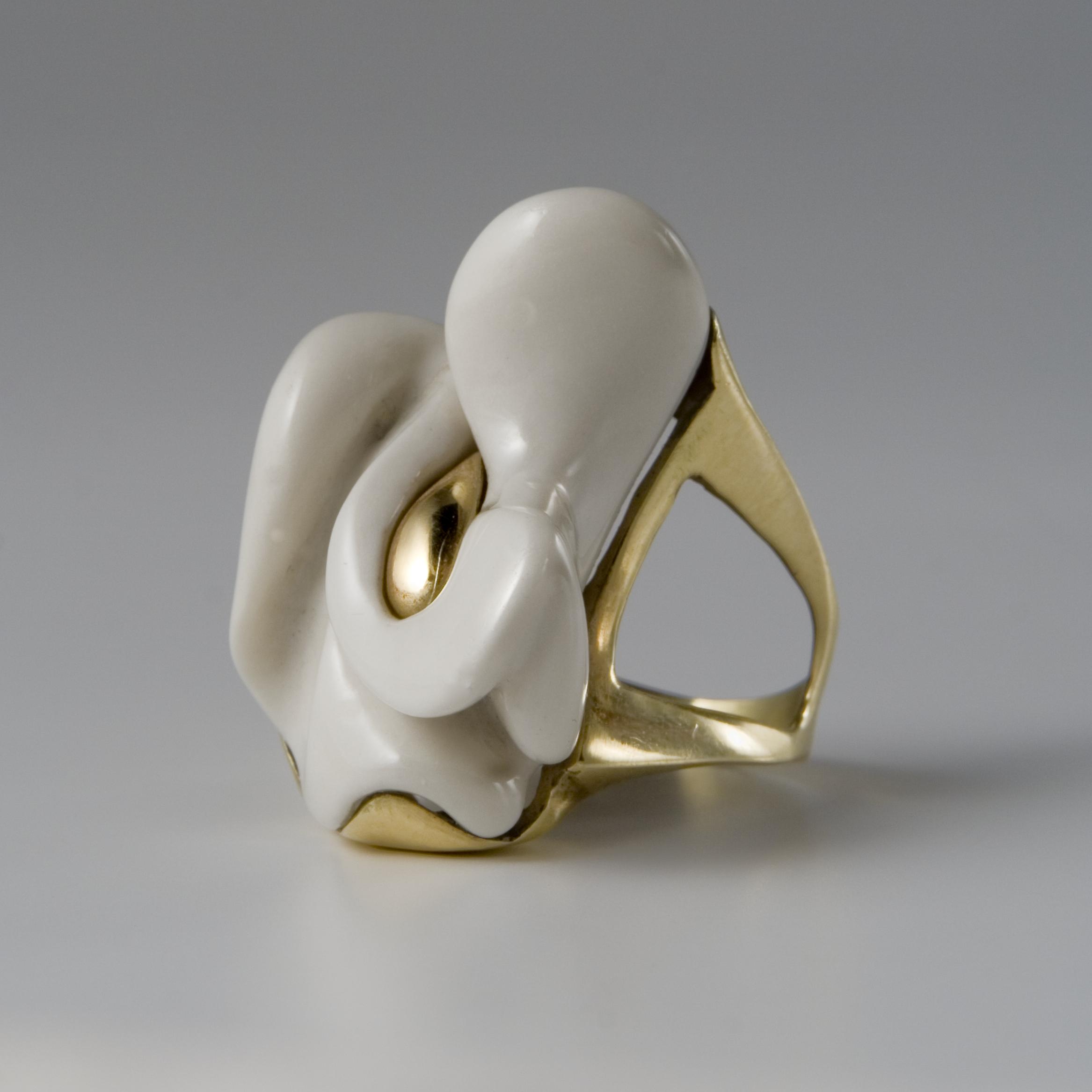 Italian sculptor and ceramicist Antonia Campi at design and art gallery Casati Gallery