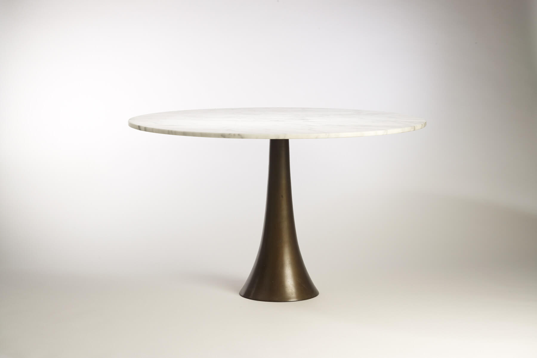 Angelo Mangiarotti |  Dining table