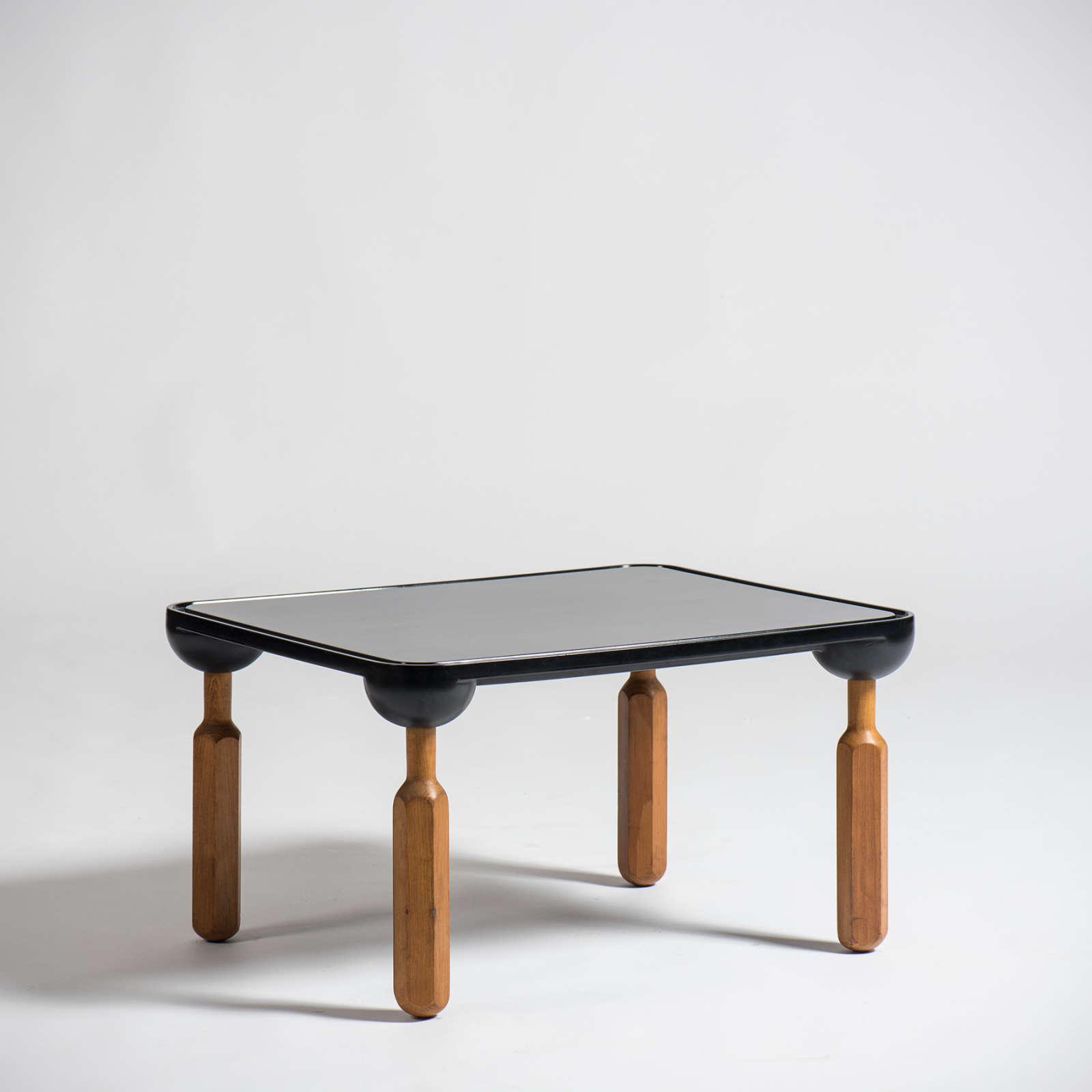 Achille Castiglioni |  Side table