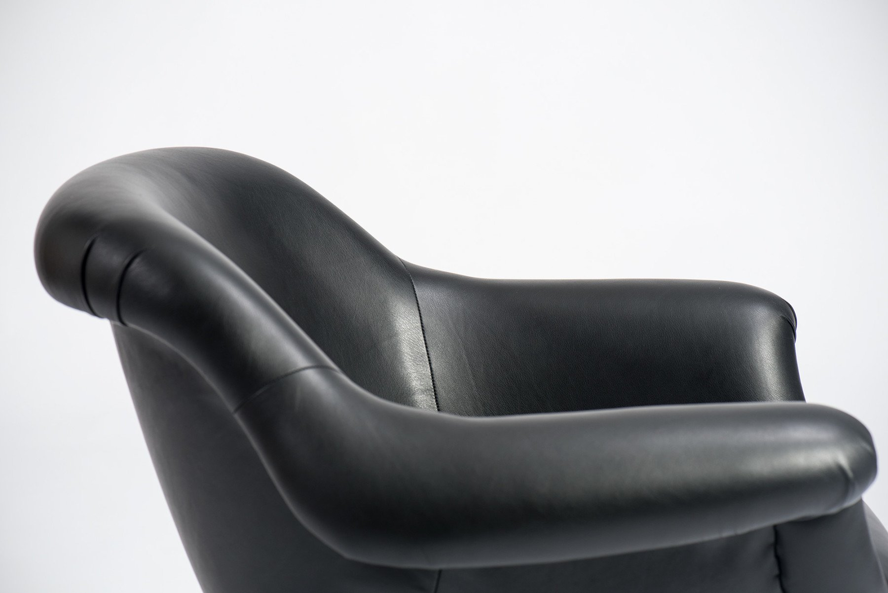 Angelo Mangiarotti |  Lounge chair, model 1110