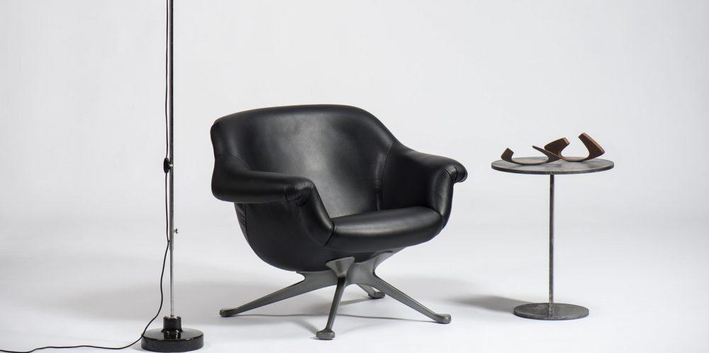 Black leather seat by Italian designer Angelo Mangiarotti