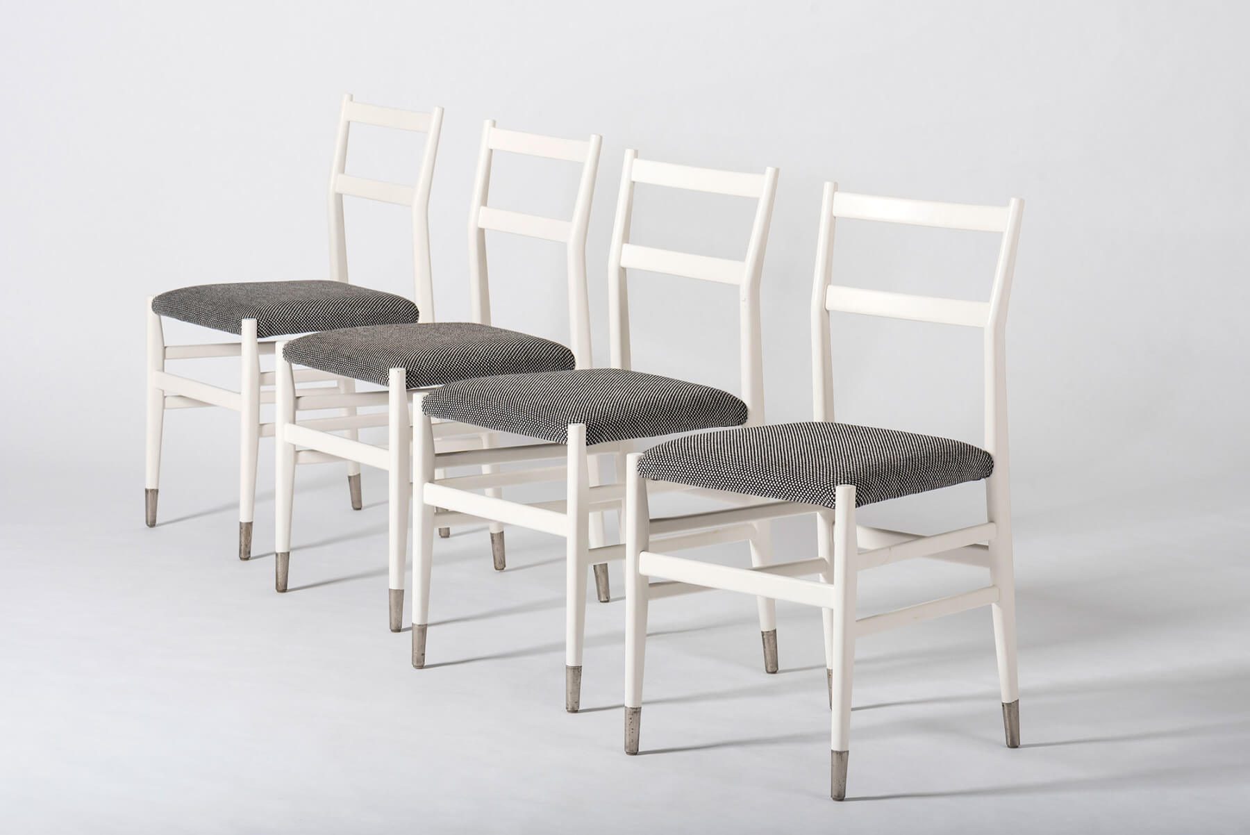 Gio Ponti |   Set of 4 dining chairs model 646/2