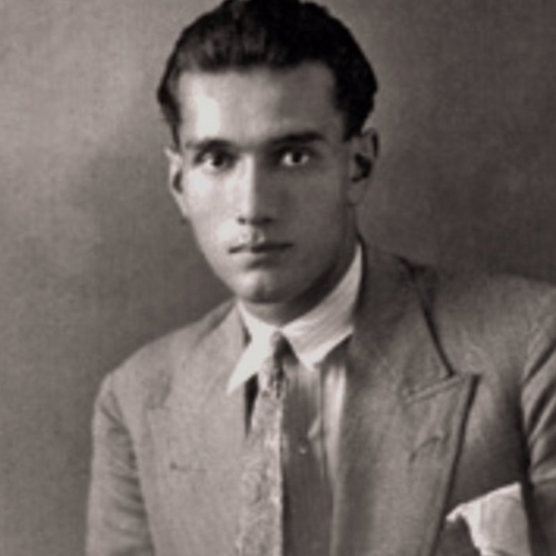 Portratit of Giuseppe Terragni wearing a suit