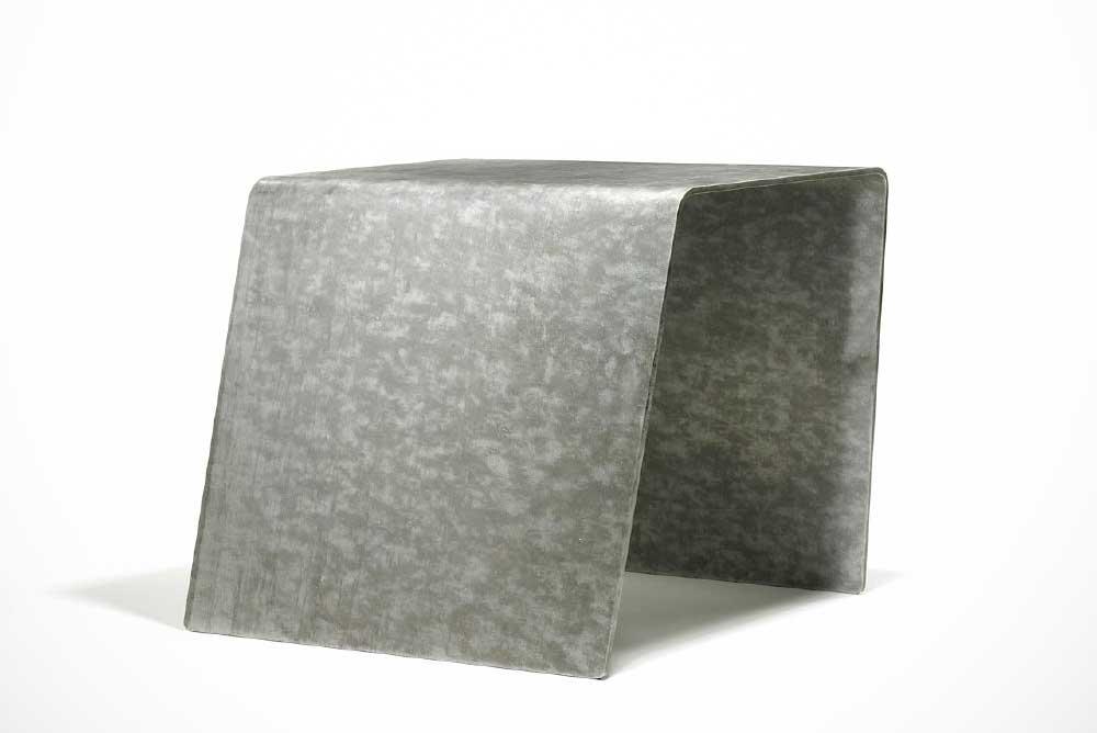 Medium volume bench