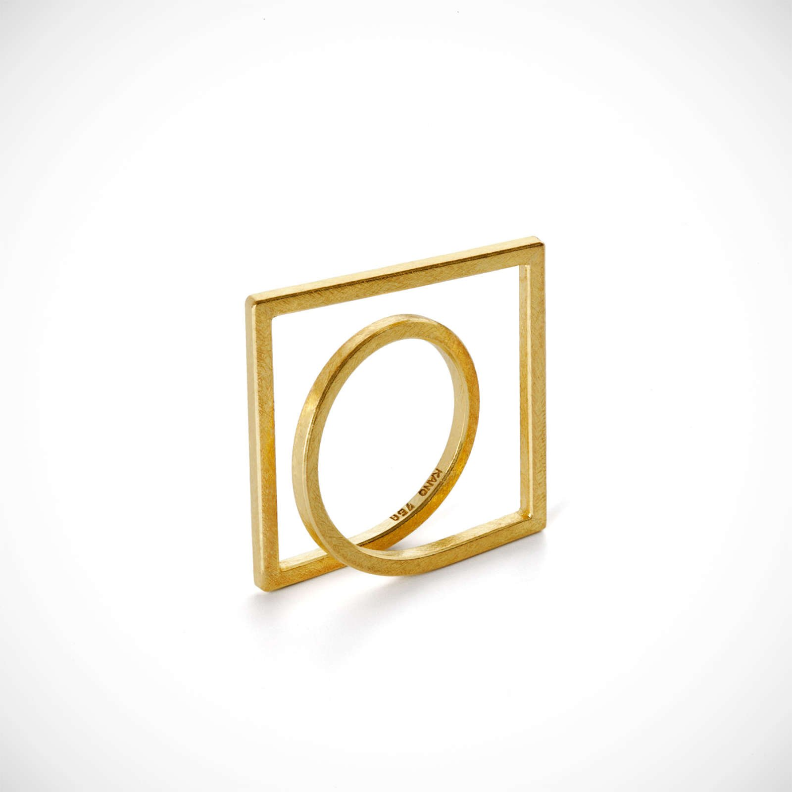 Karina Noyons |                                  Round about - Gold finger ring