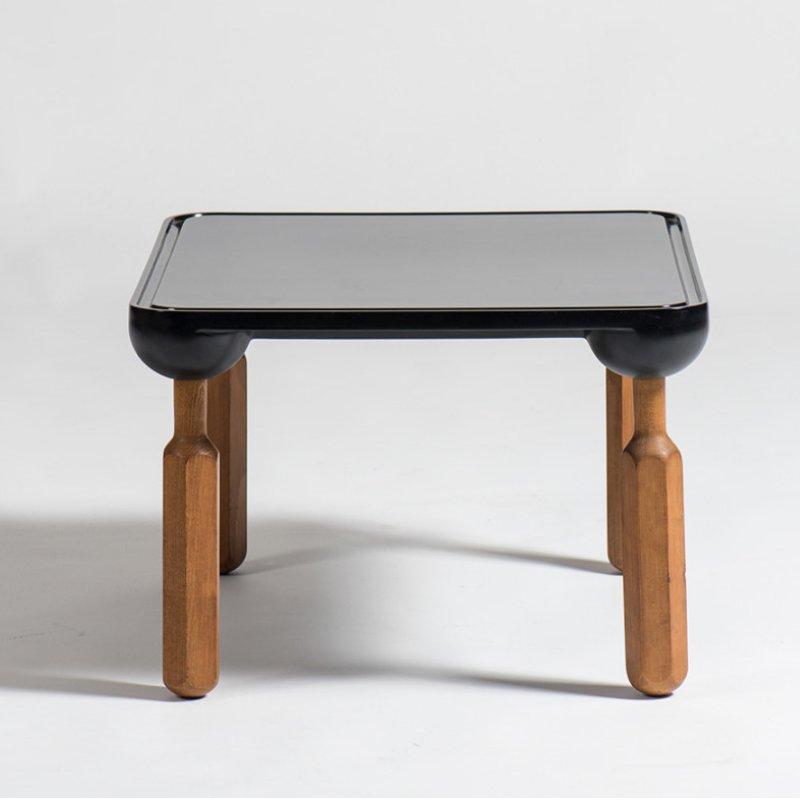 Zanotta table desinged by Achille Castiglioni