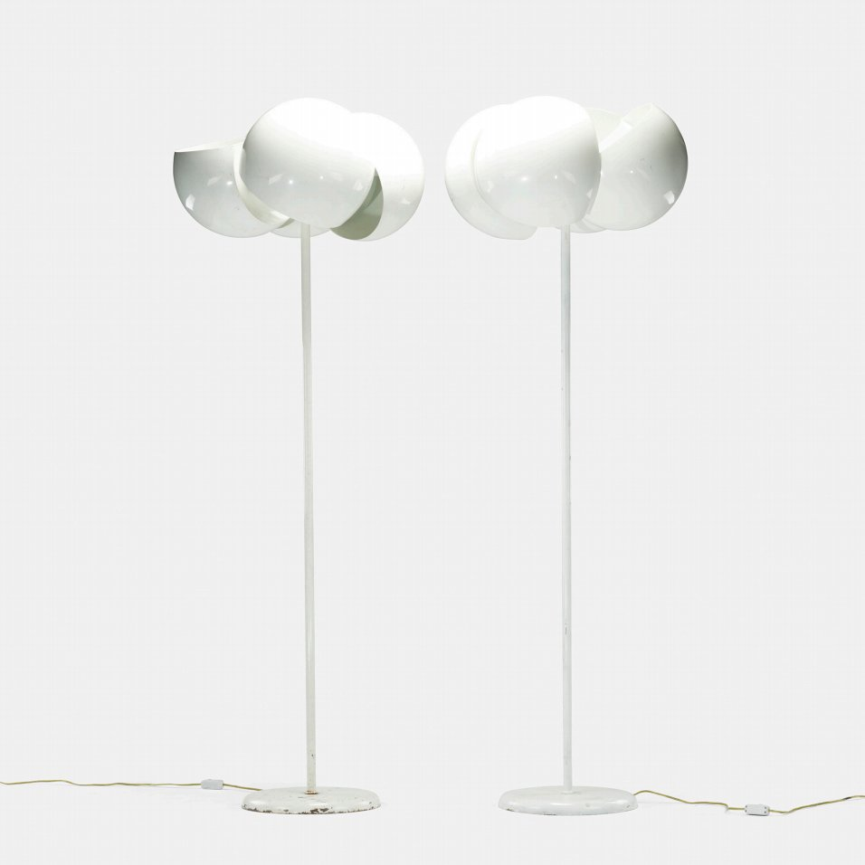 Artemide Giunone floor lamps by designer Vico Magistretti at Italian design and furniture gallery Casati Gallery