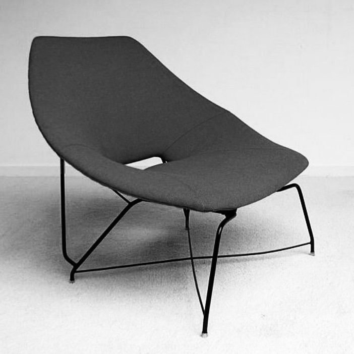 Black chair of Italian designer Augusto Bozzi manufactured by Saporiti
