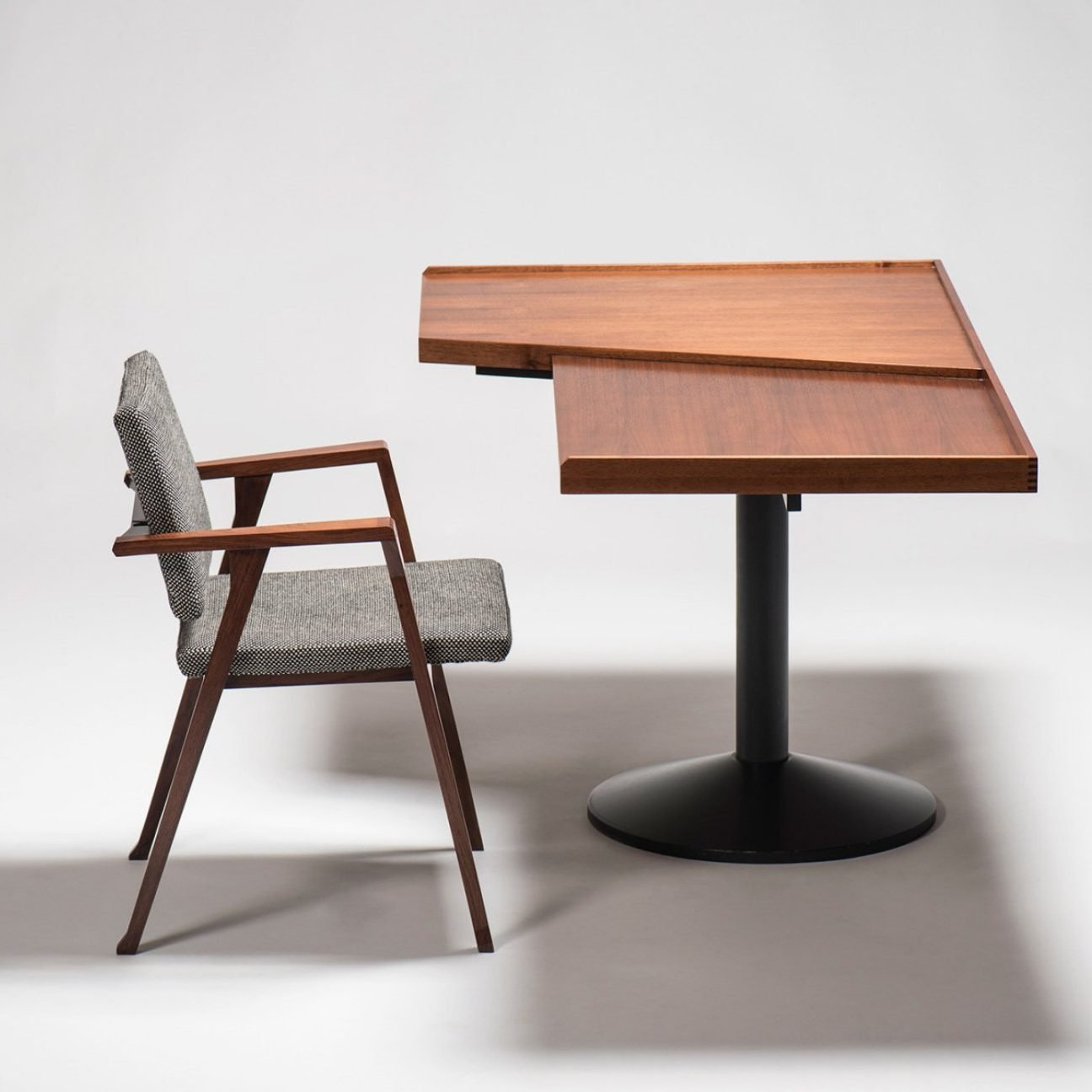 Poggi Sadera desk and Luisa chair designed by Italian designer Franco Albini