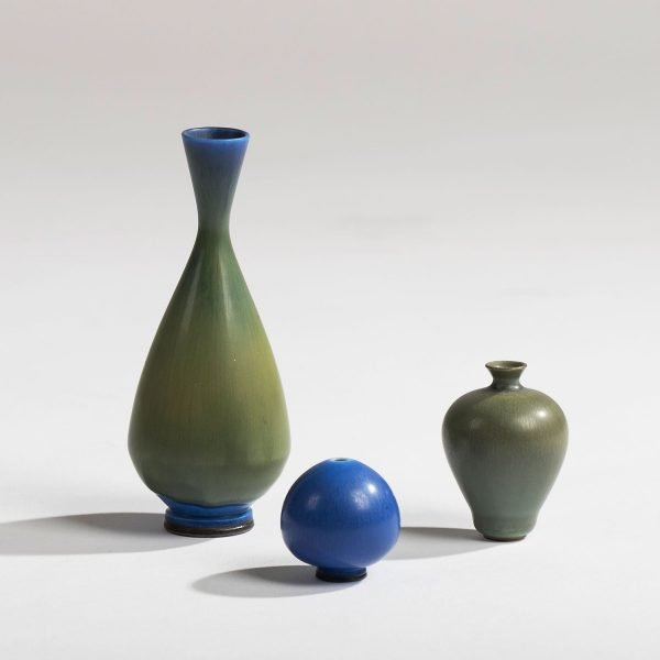 Three miniature vases by Berndt Friberg. Two vases glazed green, one glazed blue.