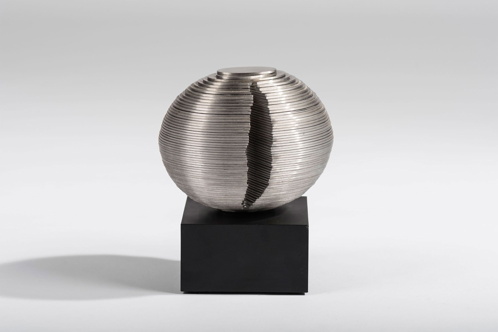 Dusan Dzamonja |   Multimodel X sculpture