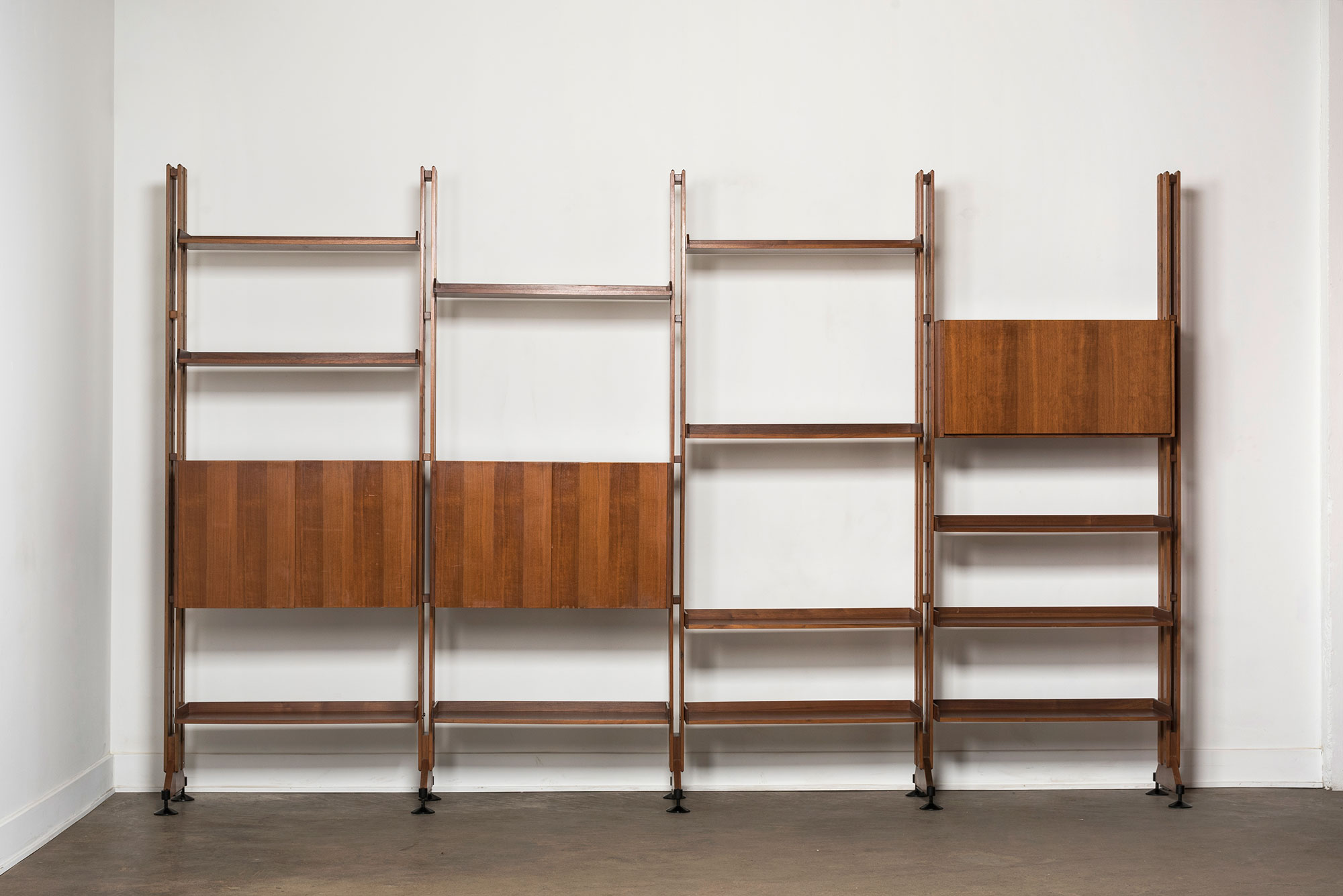 Franco Albini and Franca Helg |   Bookshelf and cabinet