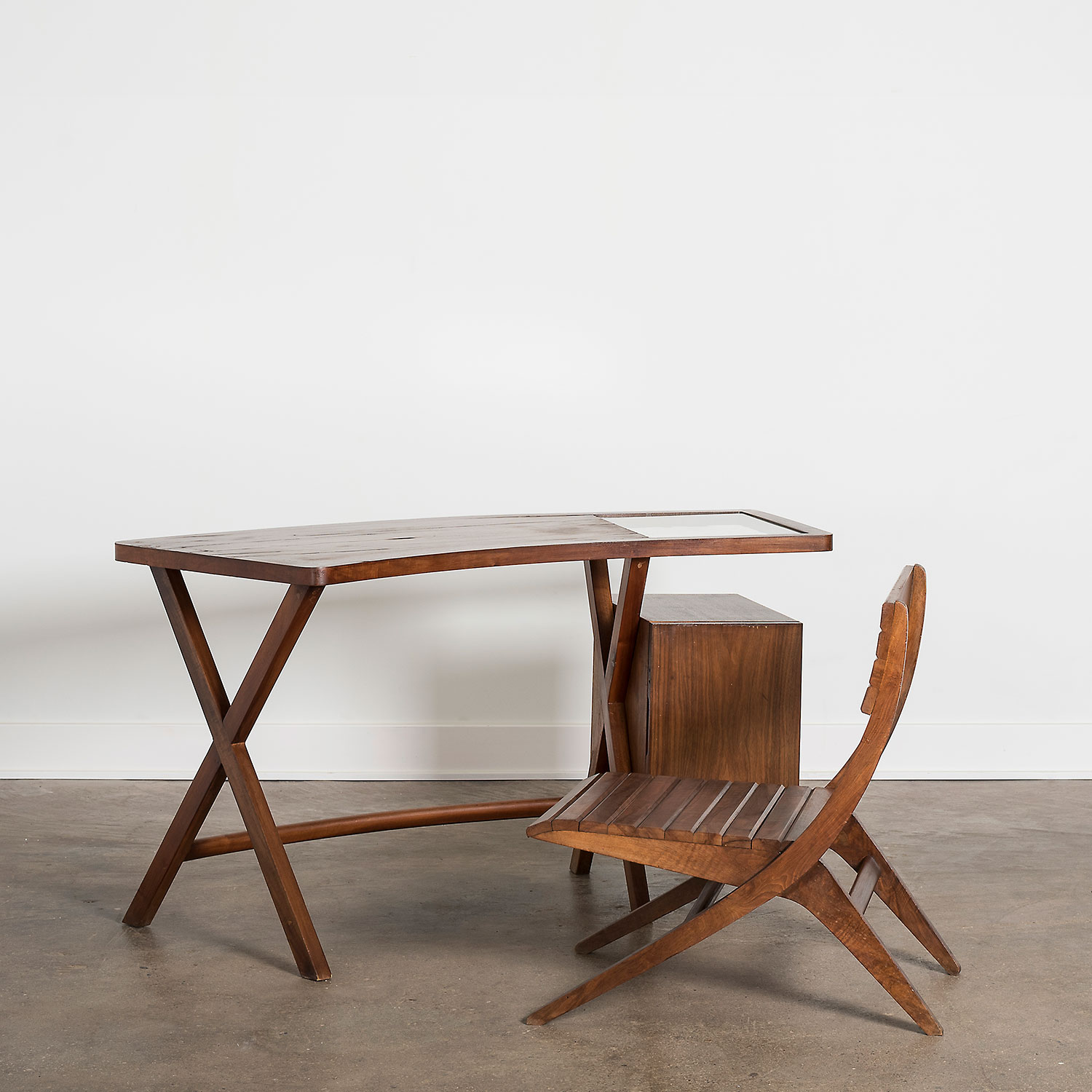 Franco Albini desk and chairs designed for Villa Neuffer made in 1940 at Italian design and furniture gallery Casati Gallery