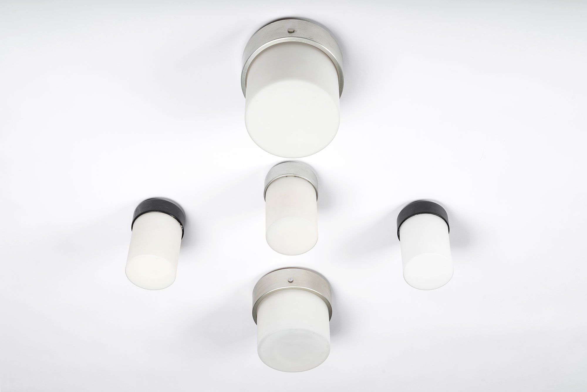 Gino Sarfatti  |   Wall or ceiling light, model 3031