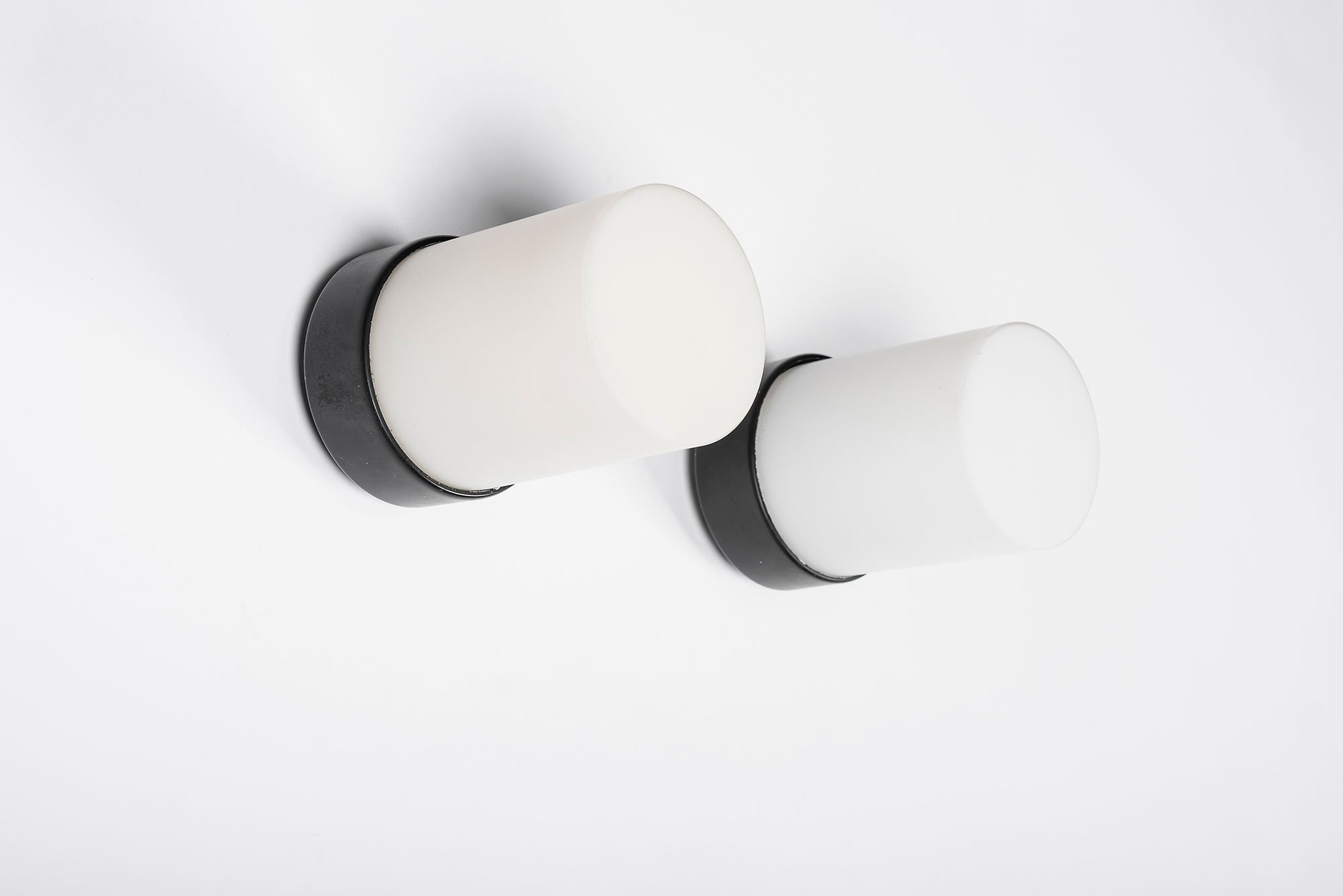 Gino Sarfatti  |   Pair of wall/ceiling lights, mod. 3031