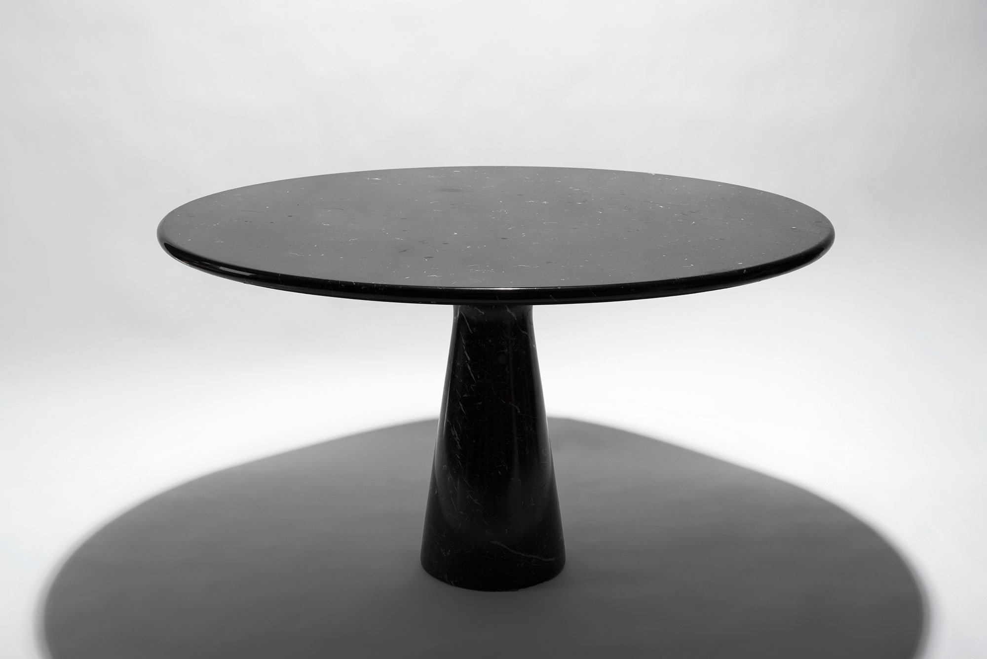Angelo Mangiarotti  |   Black marble table