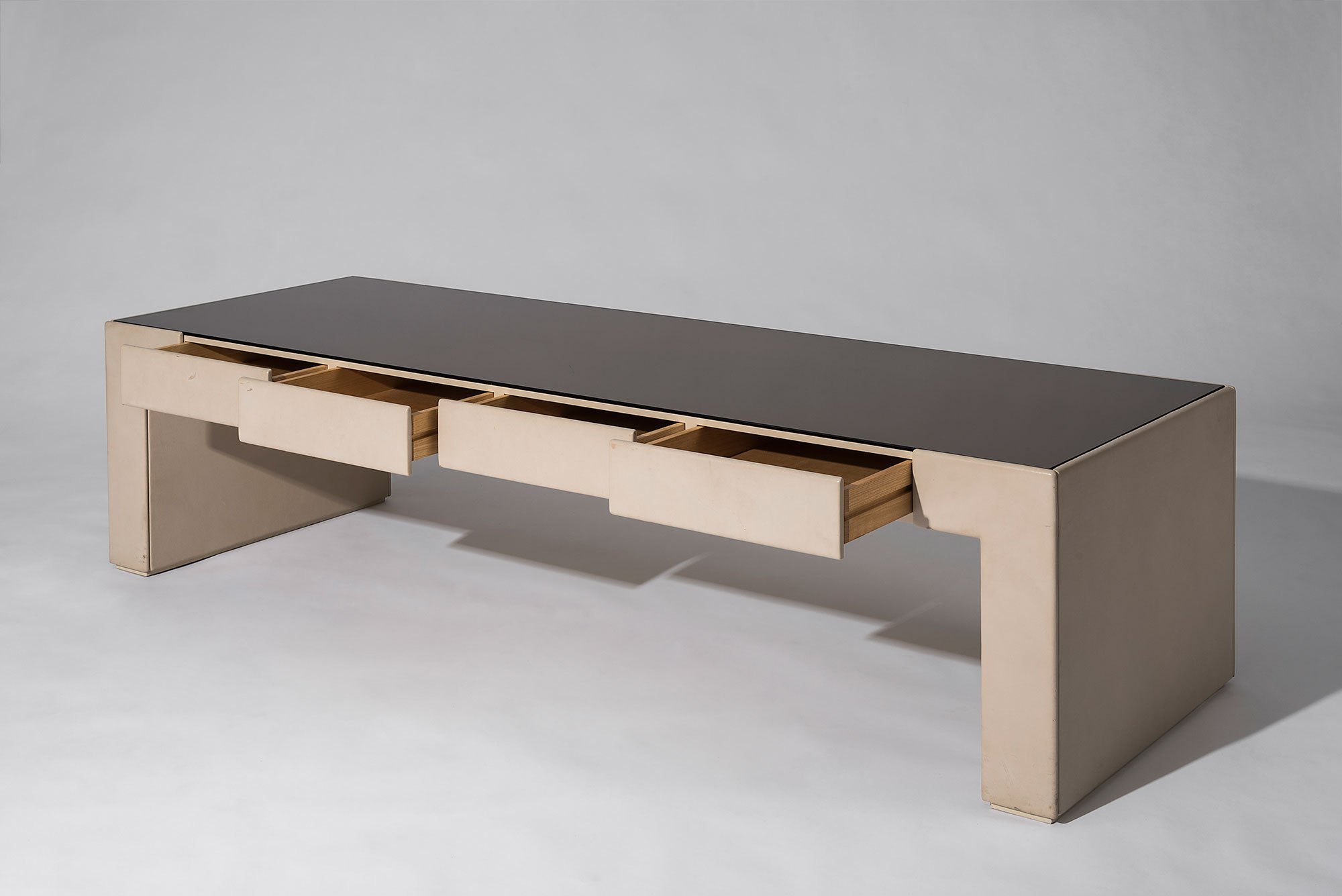 Osvaldo and Valeria Borsani  |   Unique lounge table