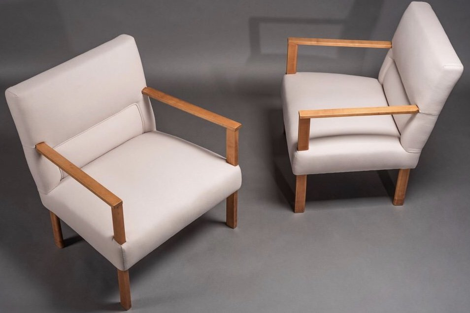 Armchairs designed by Asnago-Vender at Italian art and furniture gallery Casati Gallery