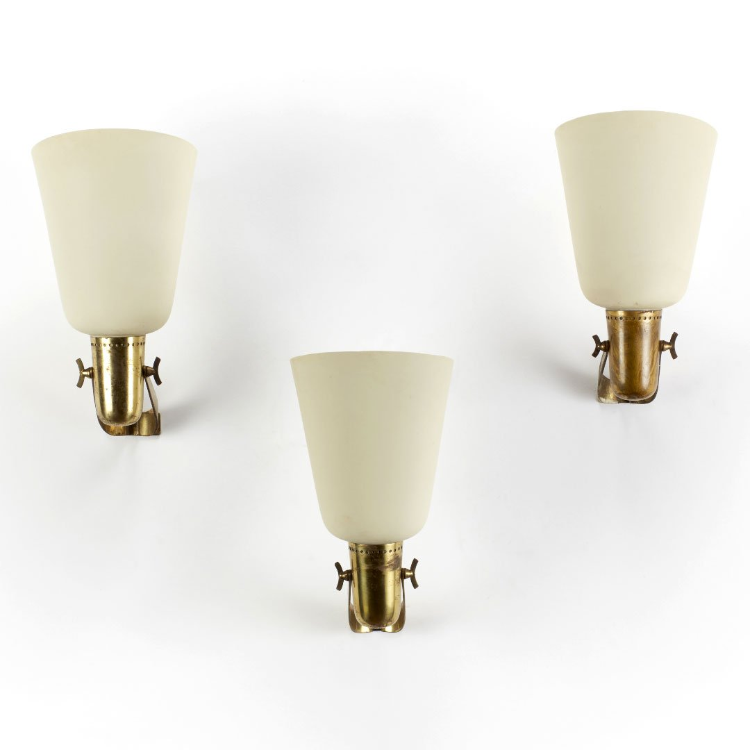 Three Gino Sarfatti wall light lamps at Italian furniture and design gallery Casati Gallery