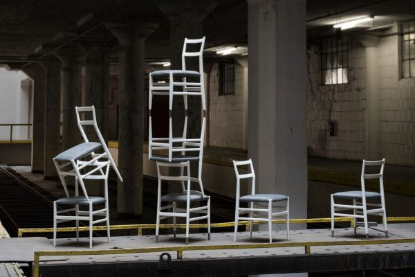 7 white liggera chairs designed by Gio Ponti at furniture and design gallery Casati Gallery