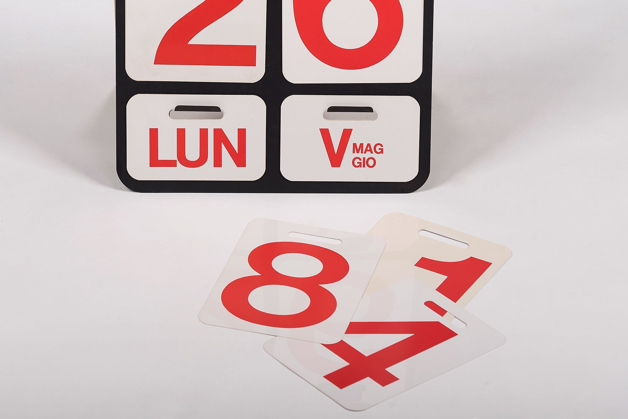 Enzo Mari |   Formosa - wall calendar