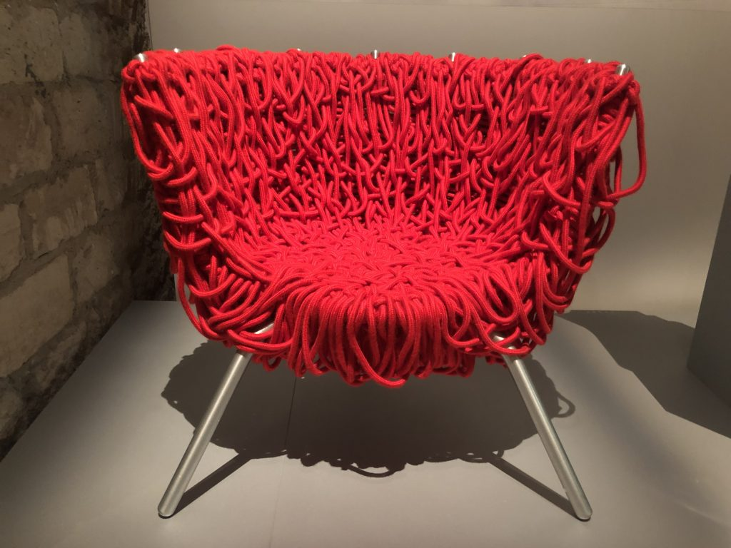 Red rope Vermelha chair designed by the Brazilian designers Campana Brothers for Edra (1993).