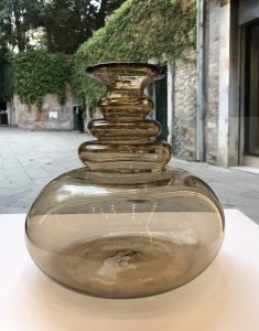 Vittorio Zecchin Venini Murano vase with three neck undulations portrait version