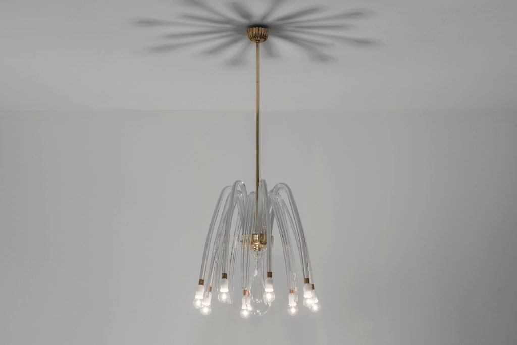 Carlo Scarpa eight-arm Murano glass chandelier and made by Venini circa 1941