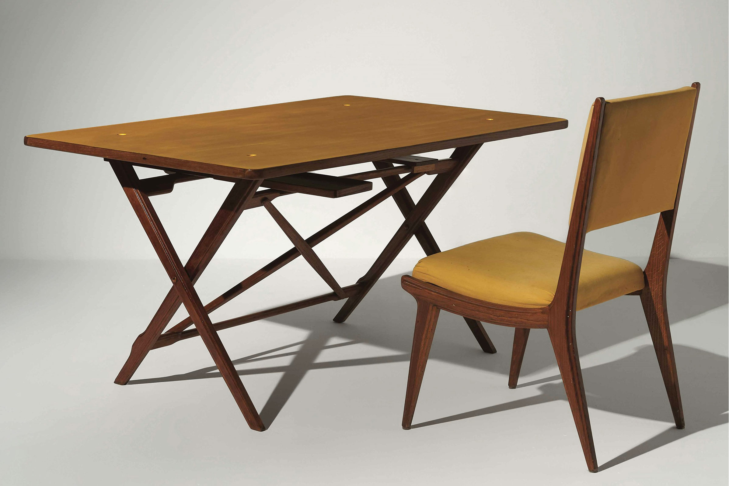 Desk with reversible yellow top