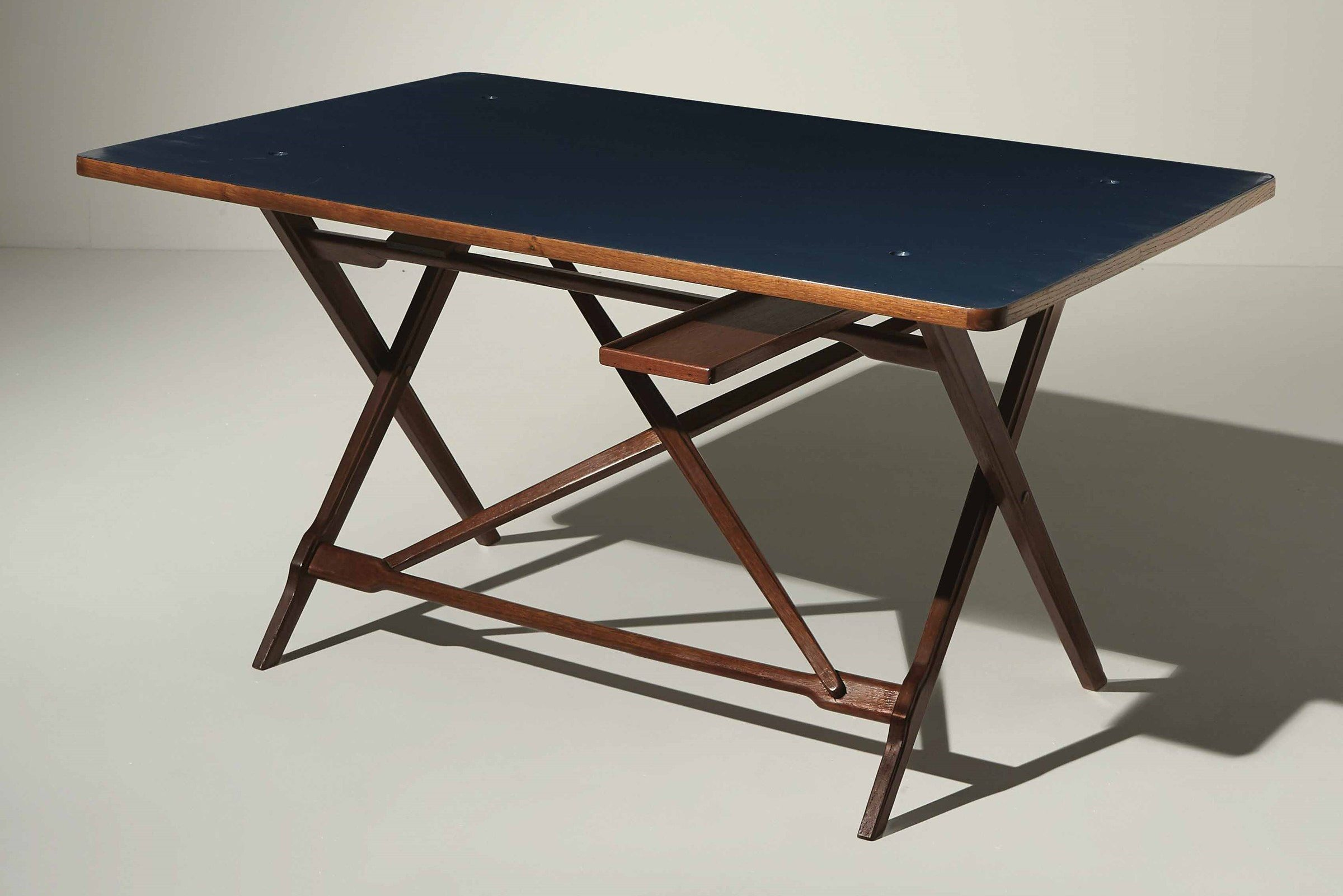 Iganzio Gardella |                              Desk with reversible blue top