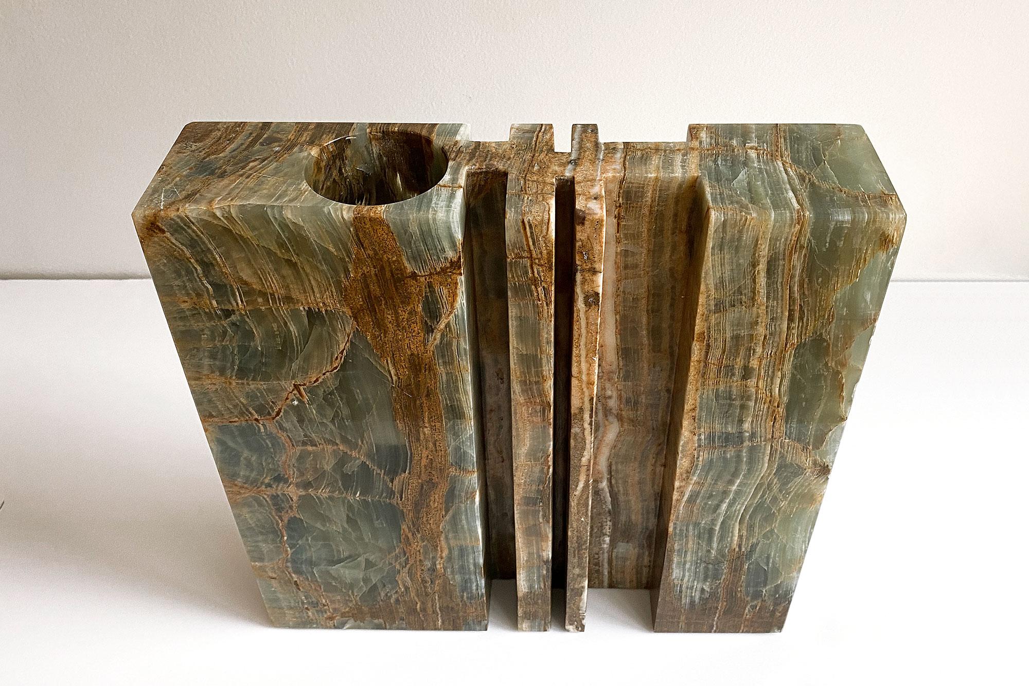 Angelo Mangiarotti  |                              Cavaedro onyx vase
