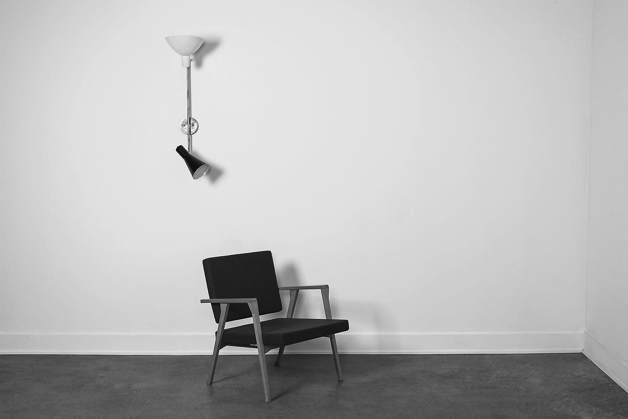 Gino Sarfatti and Vittoriano Viganò  |                              Wall light, model 199 (black and white version)