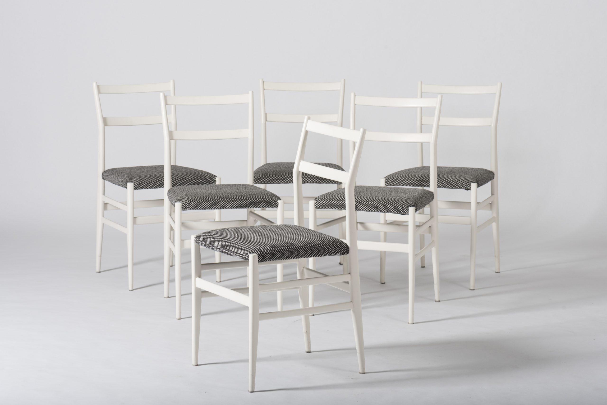 White Leggera chairs model 646/2 by Gio Ponti at Casati Gallery