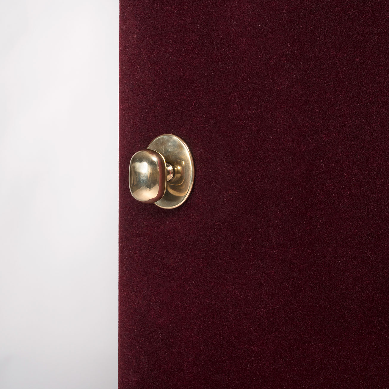 Luigi Caccia Dominioni  |                                  M 3 centered doorknob