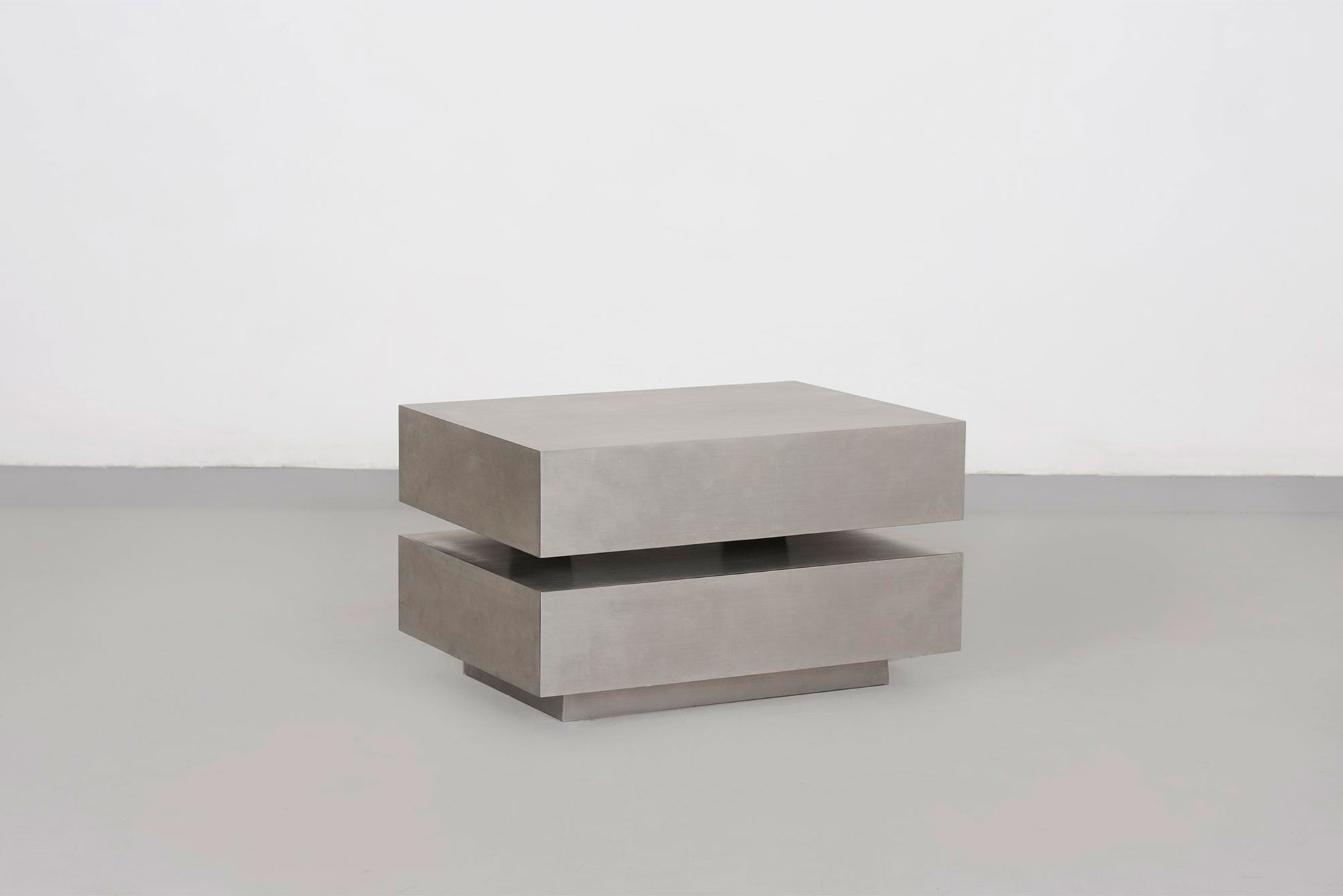 Gabriella Crespi                                 Scultura low table