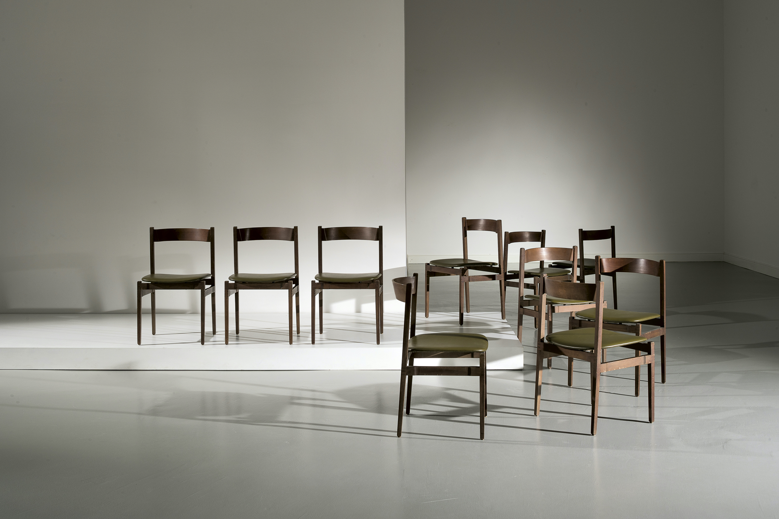 Gianfranco Frattini  |                              Ten chairs model 101